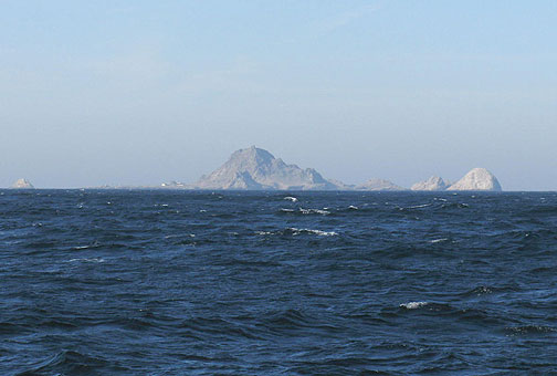 We're more than halfway there but so far the Farallones still look a lot like they always do from SF on a clear day!