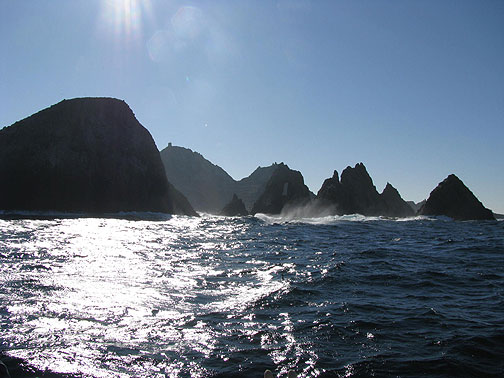 Winter sunshine silhouettes the Farallones, looking due south.