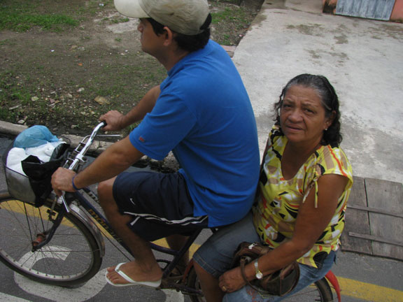 This couple passed our bus in Icoaraci, a suburb of Belem.