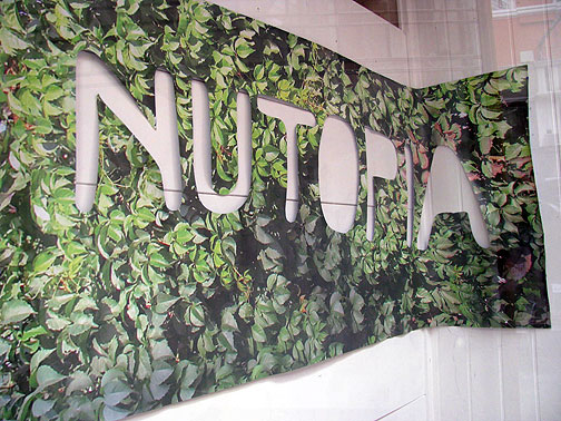 nutopia-sign_8145
