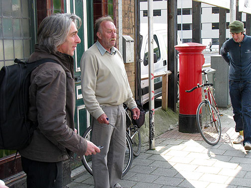 Glenn from Artstation and the pub denizen in front of the Vulcan.