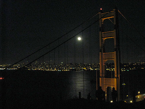 ggbridge-w-moon-over-bay-better_9877