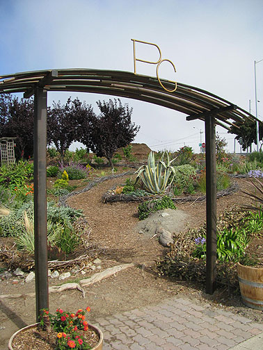 A brand new community garden has appeared at 18th and Connecticut on what I think is surplus Caltrans land.