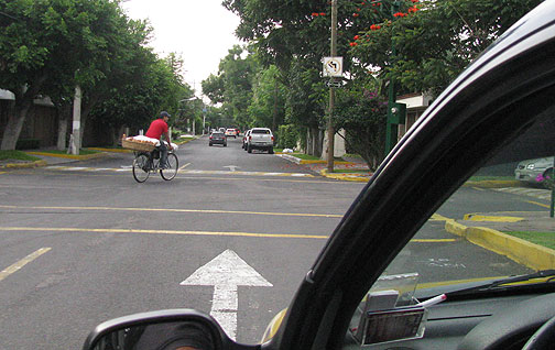 This bread delivery guy (bici panadero) was just ahead of us as we taxiied in to the Congress.