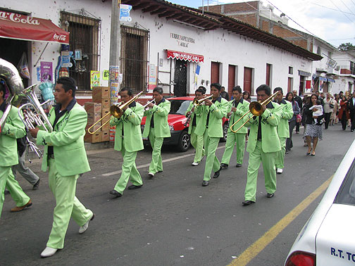 While we were having lunch in Tzintzuntzan's tiny zocalo a wedding marched by with this rockin' band!