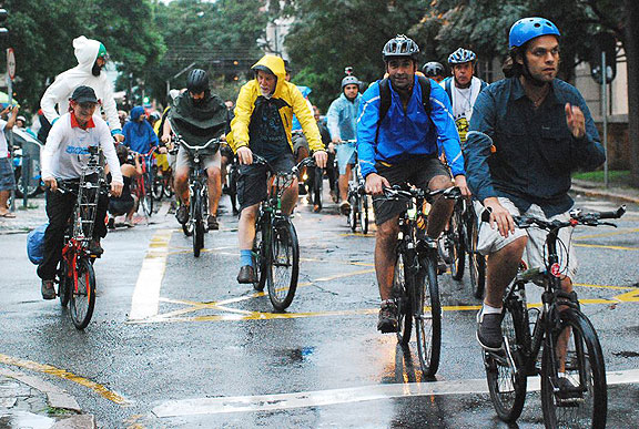 A soggy Critical Mass in Curitiba, here I am in conversation with Brazilian bike activist pioneer Renata Falzoni.