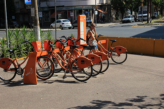 This is the public bike system in Porto Alegre and other Brazilian cities, funded by the big bank Itaú.