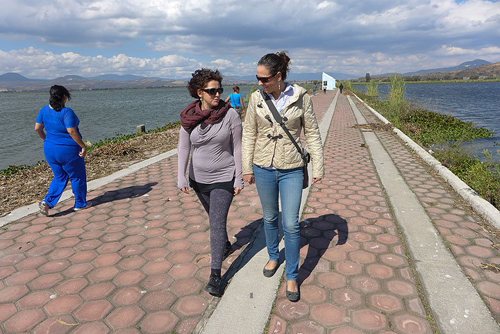This is a causeway built to accommodate rowing events on the Laguna de Zapotlan in the recently held Panamerican Games.