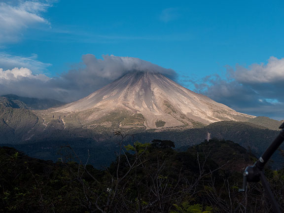 72_Volcano-with-shadows-creeping-up_Jacal-de-San-Antonio-January-6-2015-1010797