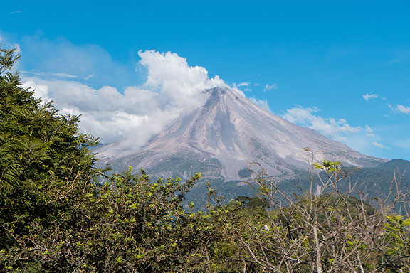 This is the view of the Volcan de Colima from the deck of Jacal de San Antonio, a fantastic restaurant full of outdoor decks and amazing views to the volcano and towards the ocean too...