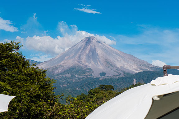 72_volcano-from-deck-at-Jacal-de-San-Antonio-January-3-2015-1010751