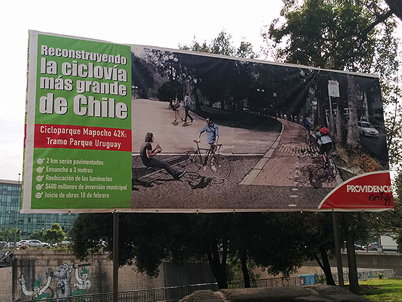 The Intendente of Santiago, Claudio Orrego, is pushing this 42-km bikeway along the Rio Mapocho, which enjoyed a staged opening at the beginning of the FMB5.