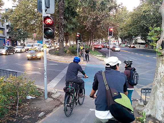 An early bike lane in Santiago runs along the center median of the Alameda, but it is full of obstacles and strange twists and turns... more of an add-on that wasn't really designed for bicycle traffic.